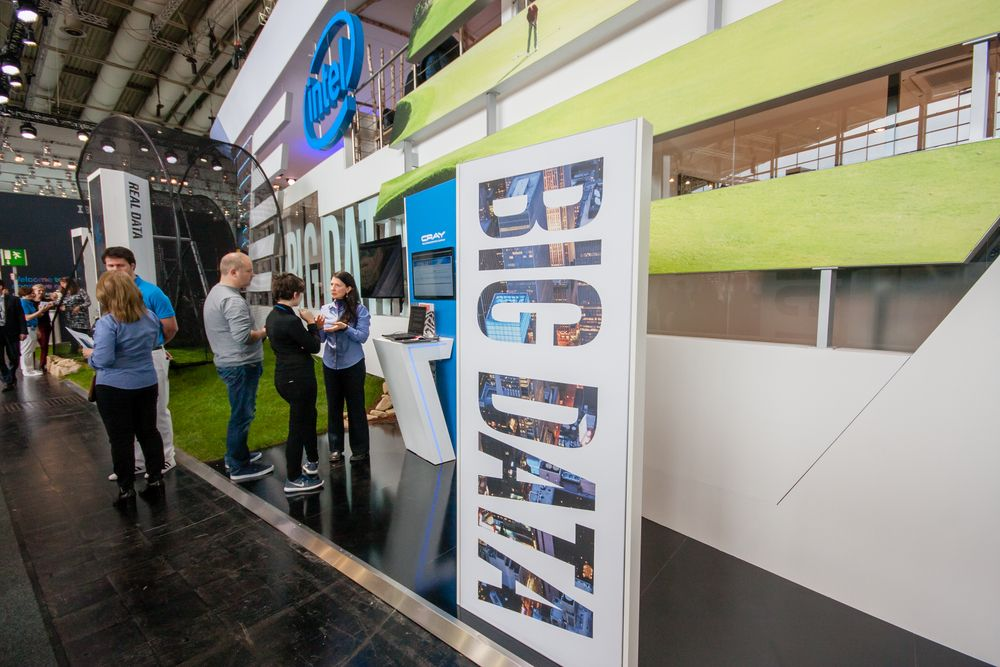 Tradeshow marketing - team and promotion